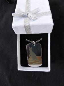 kangaroo steel pendant (2)